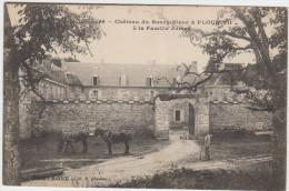 Château Du Bourg-Blanc à PLOURIVO  à La Famille Armez - Other Municipalities