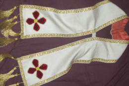 COL CHASUBLE DE PRETRE EGLISE Brodé OR Et VELOURS - Uniforms