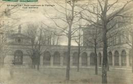 59  Saint Saulve Ecole Superieure  Cour Interieure - Wormhout