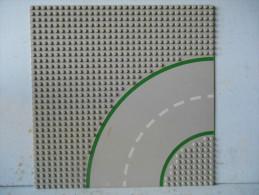 Légo Plaque Grise Route Virage Avec Bande Verte - Lego