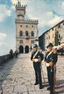 Saint-Marin - Palais Du Gouvernement - Timbres - San Marino