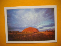 Cpm Territoires Du Nord  - Le Monolirhe D'AYARS ROCK  -  Northen Territory  - Australia - Aborigènes