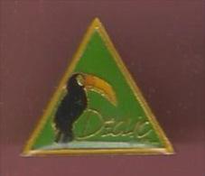 39877-Pin's.Declic Surf.Toucan.oiseau.. - Waterski