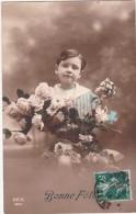 """CPA   ENFANTS   """"  BONNE FETE """" Petit GARCON Et FLEURS - 1914 - Portraits"""