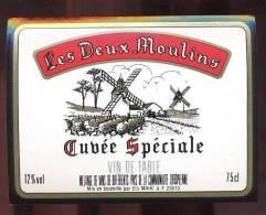 Etiquette De Vin De Table- Cuvée Spéciale -  Les Deux Moulins - Ets Mahé à 22610 -Thème Moulin à Vent - Windmills