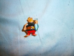 FIGURINE PERSONNAGE DANS  ASTERIX - Asterix & Obelix