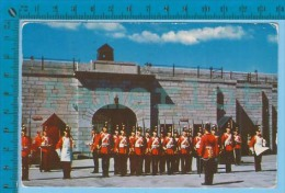 RCMP  ( Fort Henry Guard At Kingston Ont, Cover Montreal P. Quebec Used 1968 ) Postcard  Carte Postale  Recto/verso - Police - Gendarmerie