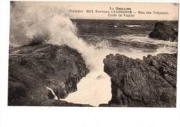 C P A---29---environs D´AUDIERNE---baie Des Trépassée--etude De Vagues---voir 2 Scans - Cléden-Cap-Sizun