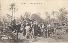 Cp Afrique TUNISIE Famille Arabe Dans L'oasis De GABES ( Femme Enfant Fillette Tente  ) - Tunisia