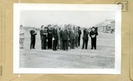Photo Originale -  BRETIGNY-sur-ORGE  ; Base Aérienne Militaire , PIERRE  MONTEL Secretaire D´état En Visite En 52 - Aviation
