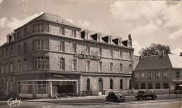 CPSM -  FLERS De L'ORNE - PLACE DE LA GARE - HOTEL DU GROS CHENE - ORNE 61 - Flers