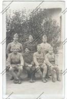 Photo CPA : Groupe De Soldats (chasseurs Alpins , 98eme RI) Devant L´objectif. CPA Postée Par Un Sergent Major - Guerra 1914-18