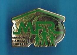 PIN'S //  . M.F.R. MAISONS FAMILLIALLES RURALES