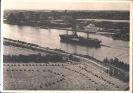HAMBOURG  -  Gros Plan Sur L'Elbe Avec BATEAU  -  Photographie Prise Du Train - 1951 - Allemagne