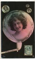 Montage Surrealisme Pipe A Bulle De Savon Avec Photos De Femme - Cartoline Con Meccanismi