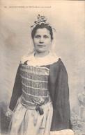 44 Loire Atlantique - BATZ  Jeune Femme De Batz  Dans Son Nocial (habit De Noce Costume Coiffe) *PRIX FIXE - Batz-sur-Mer (Bourg De B.)