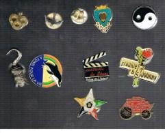 Divers, PIED, Oiseau, YING YANG, Coeur Et Fleur, Frankie Et Johnny,, Portrait De Star,... - Pin's