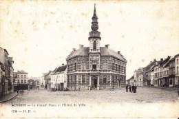 LESSINES - La Grand'Place Et L'Hôtel De Ville. - Lessines