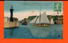 Bâteau - Le HAVRE - Sortie D'un YACHT - Au Fond, La Hève - Voiliers