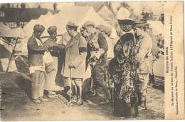 CPA GUERRE DE 1914 Sa Majesté Au Milieu Des Blessés Indiens à L´hopital De New Forest - Guerre 1914-18