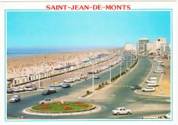 Saint Jean De Monts:  RENAULT 4-COMBI & 8,CITROËN 2CV,DS,BREAK,OLDTIMER CAMPER-VAN (USA?),SIMCA 1300 & SPEEDBOAT,SOLEX - Passenger Cars