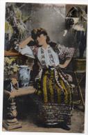 Roumanie---1919--Salutari Din Romania (femme En Costume Traditionnel) N°3443  éd Maier & D.Stern-carte Pas Très Courante - Romania
