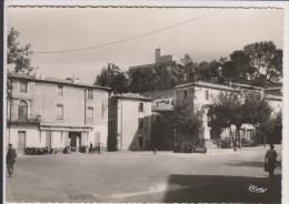 D30 - MONTFRIN - PLACE DE LA REPUBLIQUE - CPSM Grand Format - état Voir Descriptif - Autres Communes