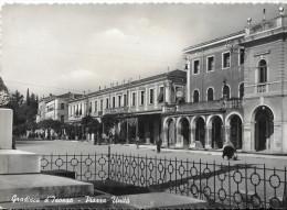 FRIULI VENEZIA GIULIA-GORIZIA-GRADISCA D'ISONZO PIAZZA UNITA ANNI 50 - Italia