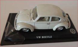 DEL PRADO CAR COLLECTION 1/43 CON BASETTA DEDICATA Volkswagen BEETLE MAGGIOLINO - Automobili