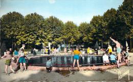CPSM (format Cpa) Saint-Ouen Pièce D'eau Dans Le Square (animée) E510 - Saint Ouen