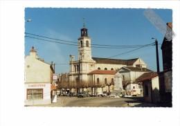 21 - BRAZEY EN PLAINE - Place De L'hôtel De Ville - L'église Monument Aux Morts - Charcuterie Voiture 2 CV CITROËN - Autres Communes