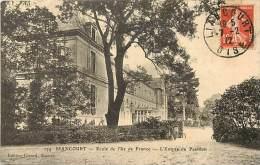 Dept Div- Oise  - Ref W146 -  Liancourt - Ecole De L Ile De France - L Entree Du Pavillon - Ecoles   - Carte Bon Etat - - Liancourt