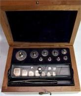 Alter Gewichtesatz Aus Den 30iger Jahren - Medizinische Und Zahnmedizinische Geräte