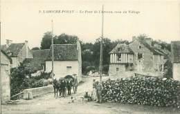 Cpa LA ROCHE POSAY 86 Le Pont De L' Arceau, Coin Du Village - Animée, Attelage - La Roche Posay