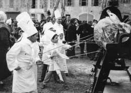 VAR 83 BARJOLS FÊTE DE LA SAINT MARCEL VERS  1960/70 - Barjols