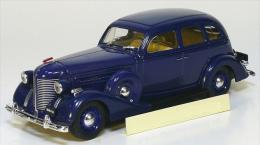 Scale metal modell auto, die cast car, 1:43 ZIS-101A Limousine 1940 USSR Russia (2412)