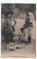 CPA En Limousin Enfants Costumés - Costumes