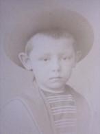 NICE/Turin  Avant 1900 Portrait  Enfant Portant Un Joli Chapeau Photographie Photo Type Carte De Visite - Photos