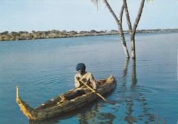 CPM R�publique du Tchad pirogue de roseaux sur le lac Tchad