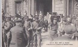 PARIS X� CASERNE du CHATEAU d' EAU  Soldats DRAGONS  Manifestations CGT 1er MAI 1906 Journ�e de 8 heures timbr�e