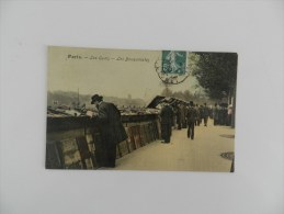 Cp  Paris Les Quais  - Les Bouquinistes - Artigianato Di Parigi