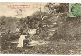S1616 - 686 - Guinée - Route Du Niger - Dioullas Au Repos - Guinée