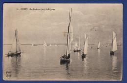 29 BREST La Rade Un Jour De Régates ; Voiliers - Animée - Brest