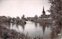 CPSM (format Cpa) Lery L'église Et La Rivière L'Eure E19 - Frankreich