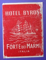 HOTEL ALBERGO PENSIONE CAMPING NO BYRON FORTE DEI MARMI ITALIA ITALY TAG DECAL STICKER LUGGAGE LABEL ETIQUETTE AUFKLEBER - Hotel Labels
