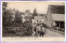 51 - UNCHAIR --  L'entrée Du Village - France