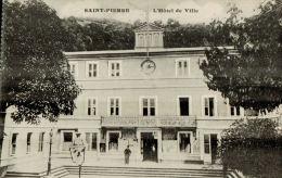 CPA   SAINT PIERRE  L' Hotel De Ville  Et Son Quartier - Martinique