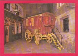 Postcard Of A Gypsy Caravan In Half Moon Court, York Castle Museum, B7. - Bus & Autocars