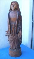 Statue Sculptée En Bois, Fait Main, Signe JM 02/92, Femme Paysanne Hauteur 32 Cm - Bois