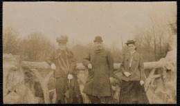 RARE ! SUPERBE PHOTO LAEKEN - LAKEN Vers 1907 - FAMILLE TIETZ ( - HILPERT ) SUR LE PONT DU PARC - Laeken